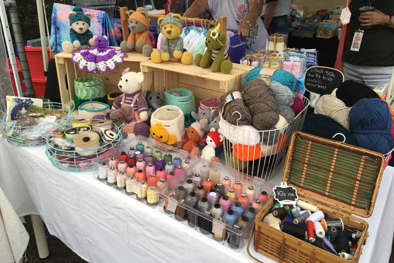 miss-leela-handmade-market-stall-02