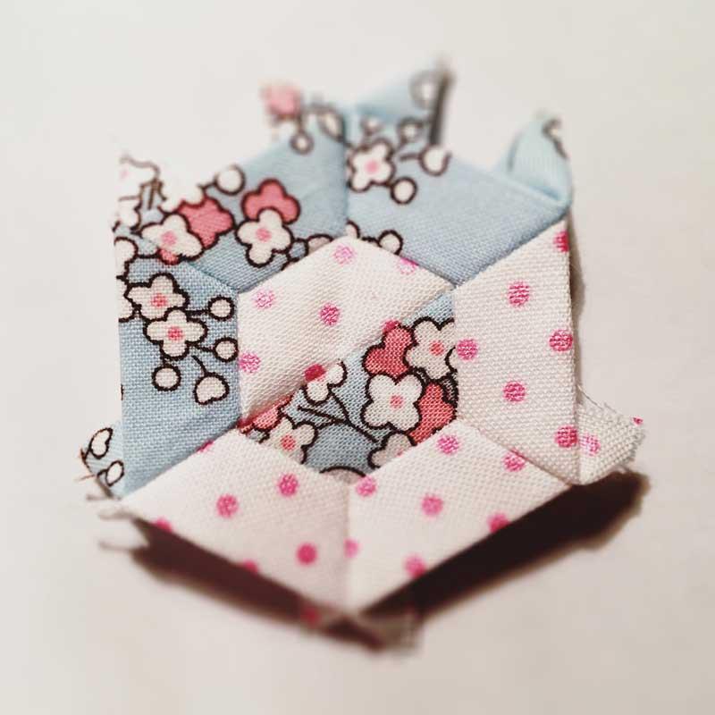 Half-Hexie-Sample-Mini-Quilt---Miss-Leela-06