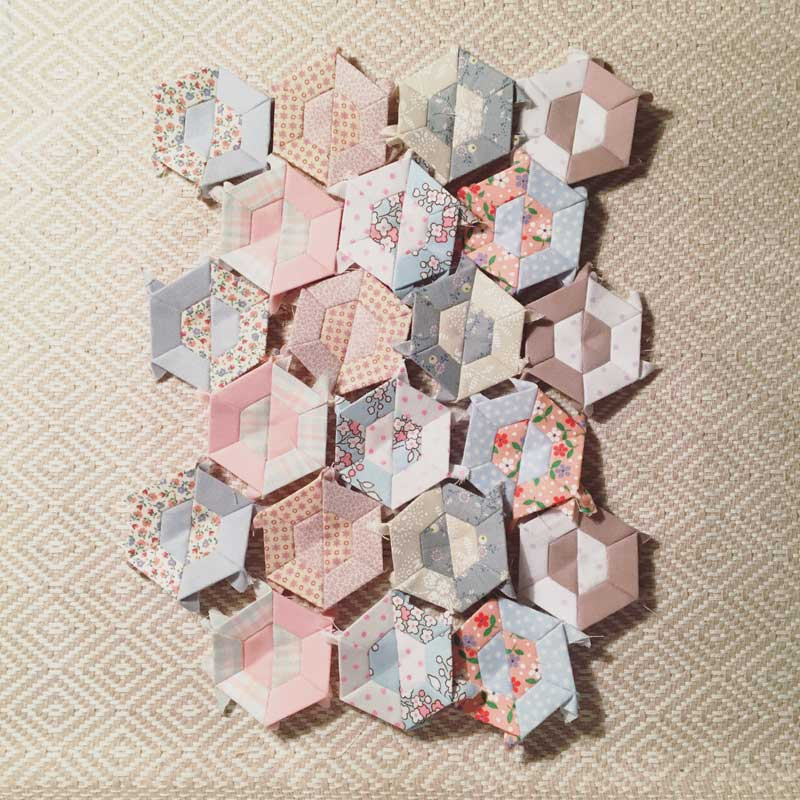 Half-Hexie-Sample-Mini-Quilt---Miss-Leela-07