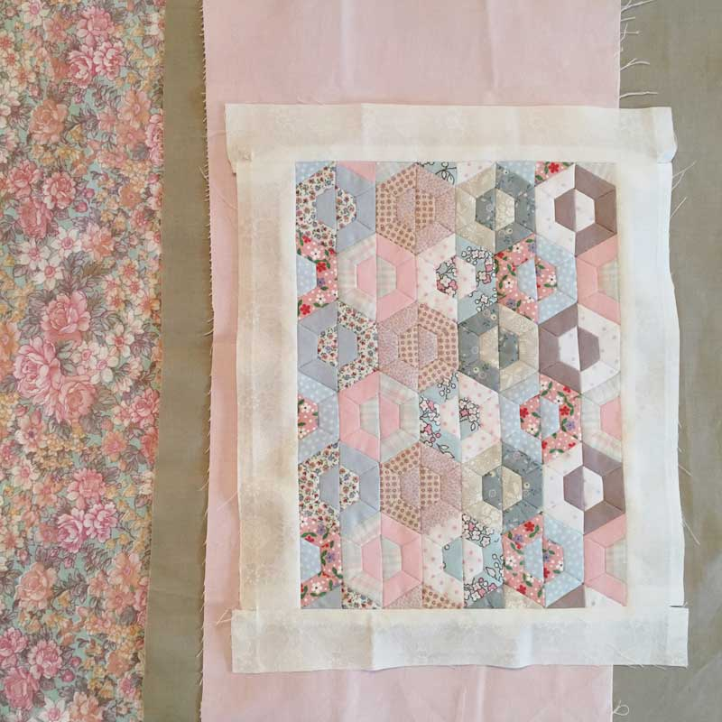 Half-Hexie-Sample-Mini-Quilt---Miss-Leela-08