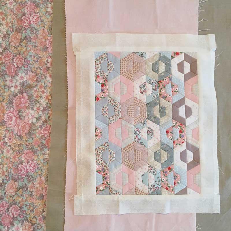 Half-Hexie-Sample-Mini-Quilt---Miss-Leela-08