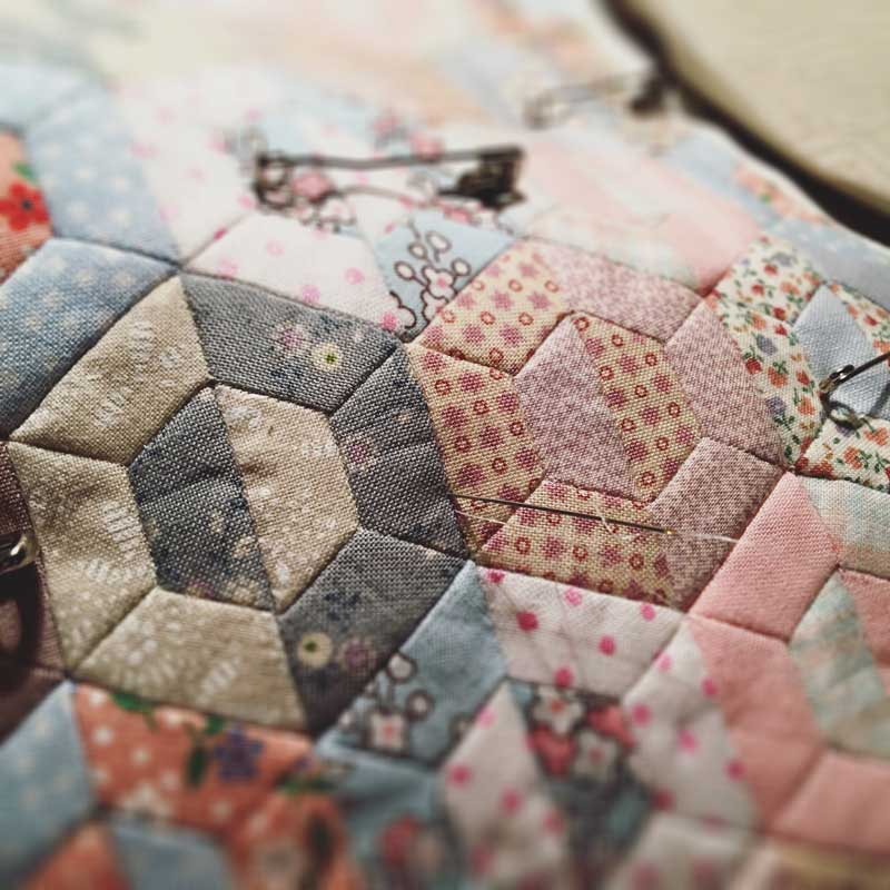 Half-Hexie-Sample-Mini-Quilt---Miss-Leela-09