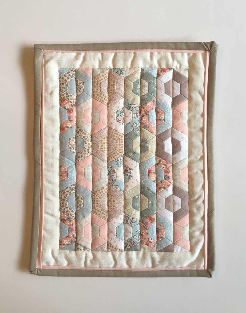 Half-Hexie-Sample-Mini-Quilt---Miss-Leela-14