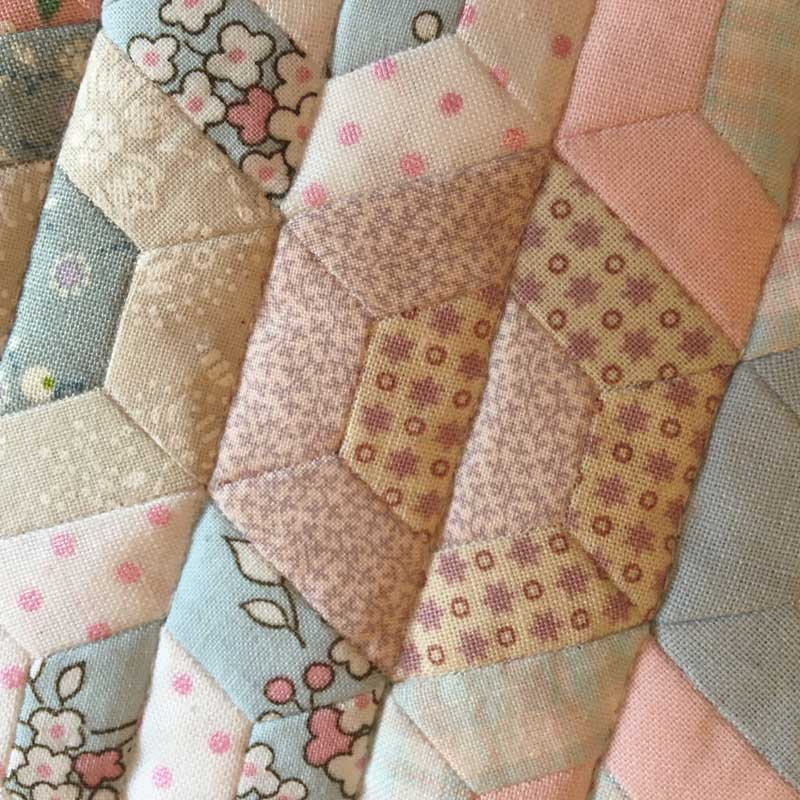 Half-Hexie-Sample-Mini-Quilt---Miss-Leela-15
